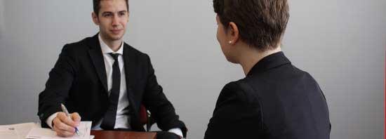Stellenbewertungen legen tarifliche Eingruppierungen von Angestellten und Beamten fest.